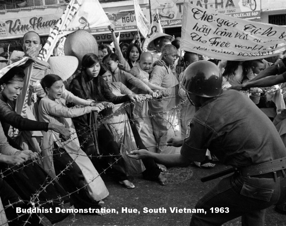 image19.jpeg5BBuddhistdemonstration2CSVN2C19635D The 1963 Buddhist Crisis
